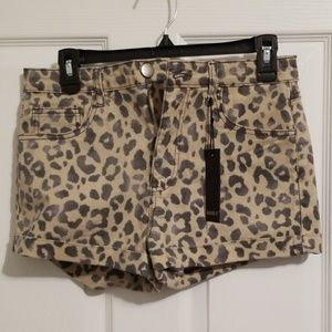 *NEW* F21 Leopard Print Shorts (28)